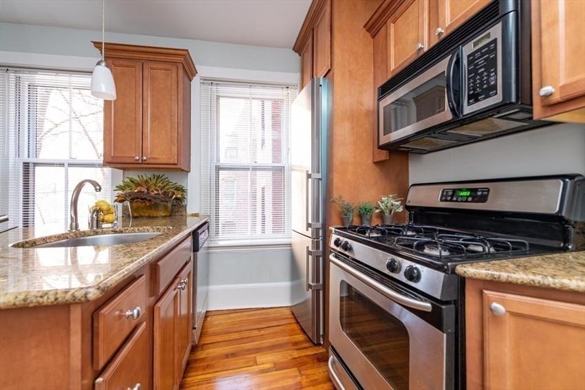 76 W Cedar St, Boston, MA Image 4