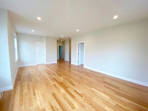 208 Neponset Valley Parkway Boston MA 02136