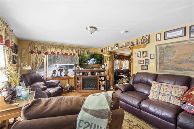 477 Podunk Road East Brookfield MA 01515