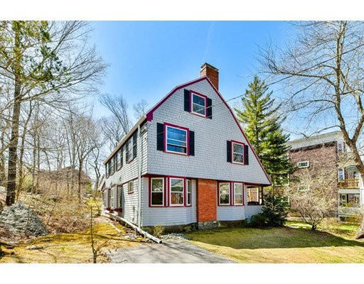 44 Robeson St, Boston - Jamaica Plain, MA 02130