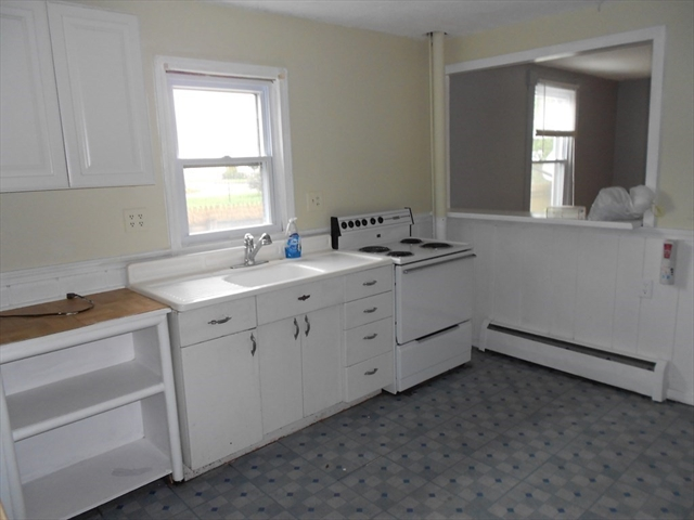 21 Whittier Place Chicopee MA 01013