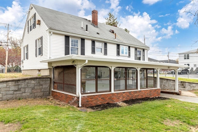 892 Lakeview Avenue Lowell MA 01850