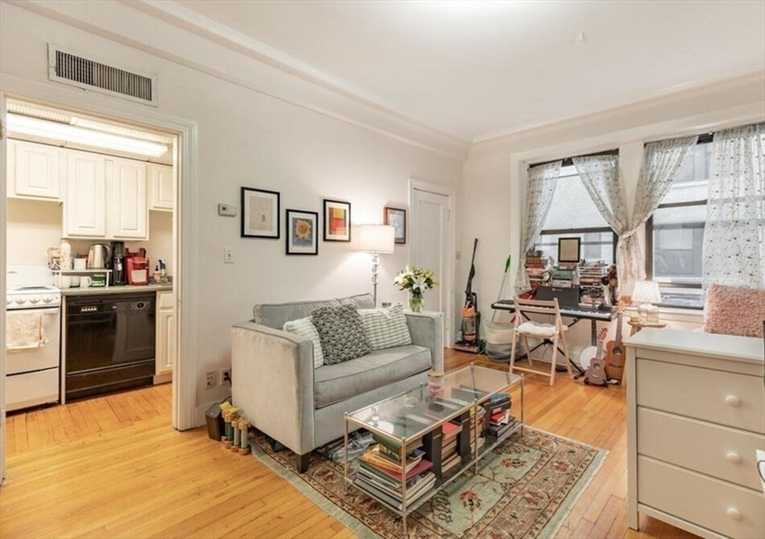 464 Commonwealth Avenue, Boston, MA Image 1
