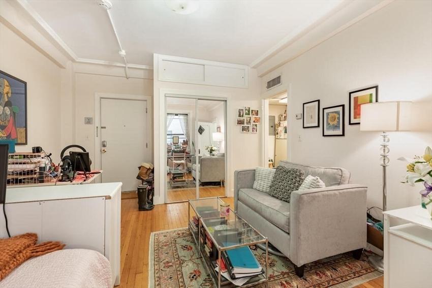 464 Commonwealth Avenue, Boston, MA Image 5