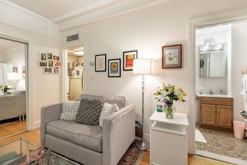 464 Commonwealth Avenue, Boston, MA Image 6