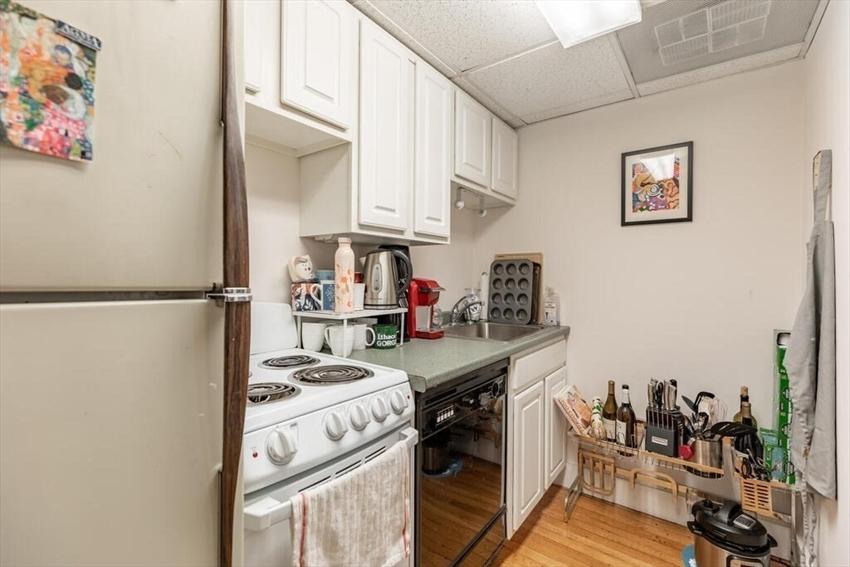 464 Commonwealth Avenue, Boston, MA Image 9