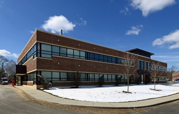 Lakeville Corporate Park offers over 85,000 SF of Class A office space in three buildings, with office suites available for lease and over 14 acres in 6 lots of developable land planned for a total of more than 158,000 SF.