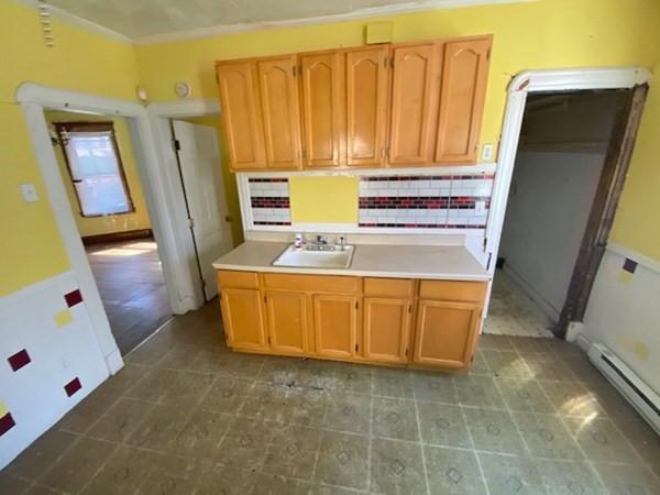 30 Lester Street Springfield MA 01108