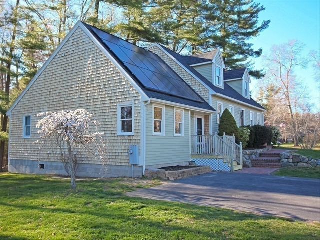 4 Squire Alden Way East Bridgewater MA 02333