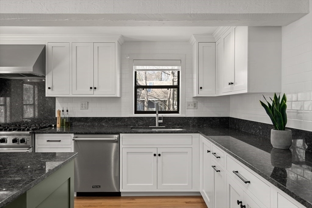 75 Croton Street Wellesley MA 02482