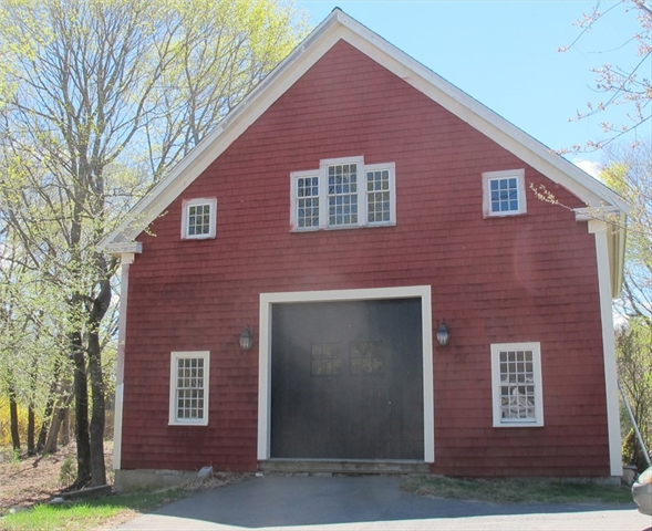 592-592A Plymouth Street Halifax MA 02338