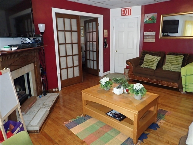 47 Acton Street Worcester MA 01604