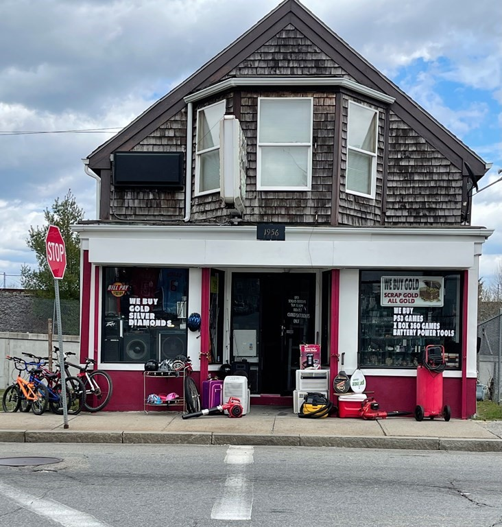 Mixed-use retail and residential property. Second floor is an updated two bedroom townhouse set up. Newer updates back in 2016 including roof, insulation, electrical and replacement windows. Rents are low due to long term tenants. Buyers agent to do due diligence.