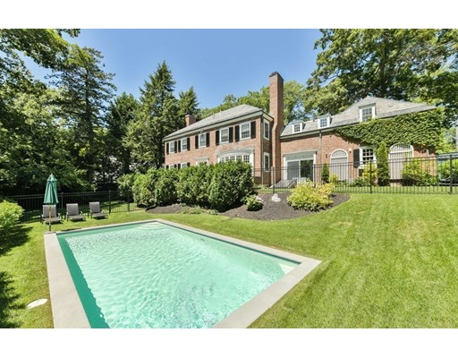 57 Laurel Rd, Brookline, MA 02467