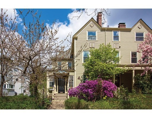 105 Centre St, Brookline, MA 02445