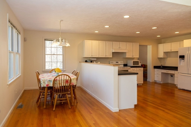 10 Maiden Lane Wayland MA 01778