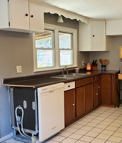 85 Raymur Drive Russell MA 01071