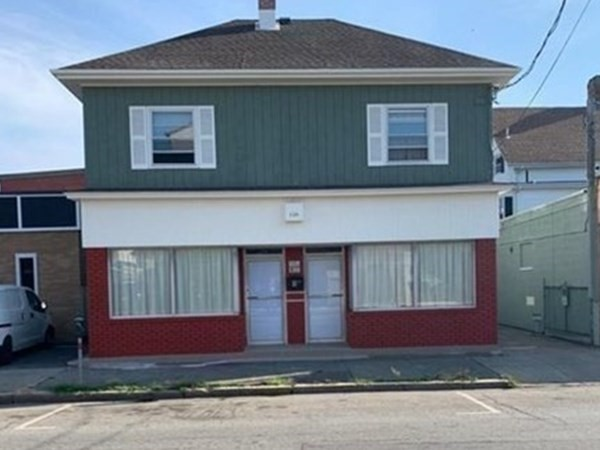 Awesome  opportunity to live and run your business from your home. Property is a mixed use building with a 2 bedroom apartment and  ,11 rooms, plus 3 bathroons .  Plenty space  for you to open your business. However, could have many uses, hair saloon, dentist, chiropractor, eye doctor, attorney, church  etc..