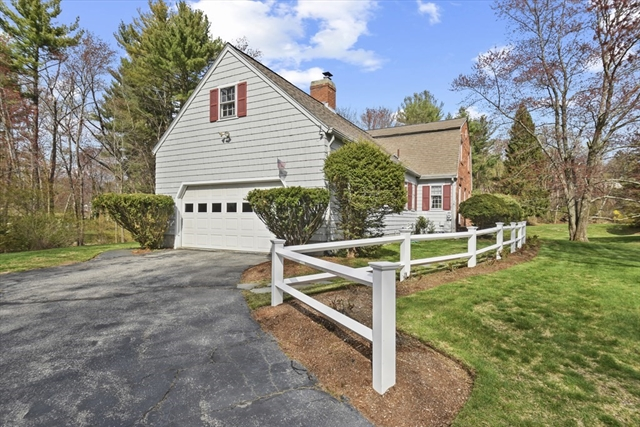 18 Essex Place Chelmsford MA 01824