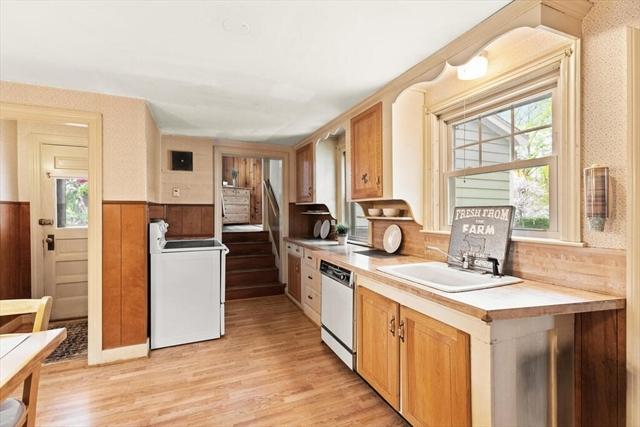 53 Jordan Avenue Wakefield MA 01880