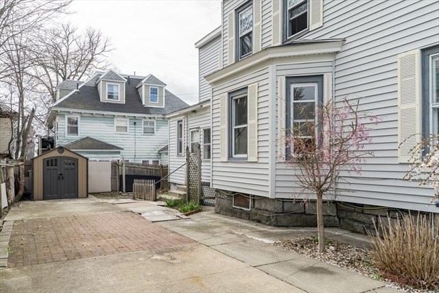 29 Huntington Street Lowell MA 01852
