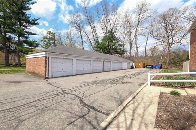 109 Jamestown Drive Springfield MA 01108