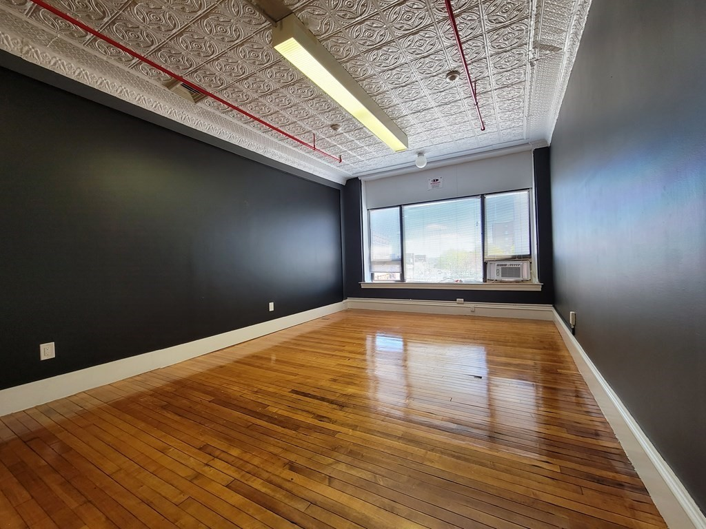 Office space located downtown across from the new district court house ideal for any Business. Office is located on third floor with beautiful common areas, hardwood floors, and common area restrooms. Electric, and Heat included in rental price.