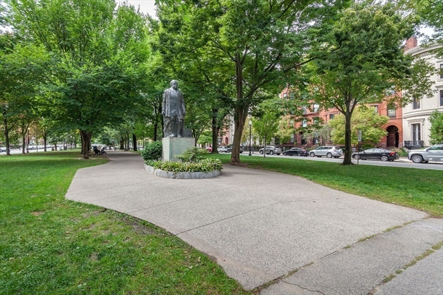 291 Commonwealth Avenue Boston MA 02116