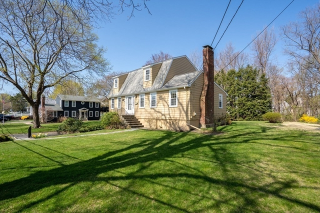 14 CLOUTMANS Lane Marblehead MA 01945