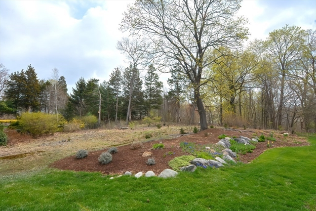 8 Wentworth Lane Attleboro MA 02703