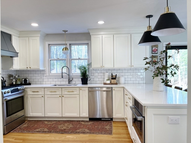 28 Vineyard Place Easton MA 02356