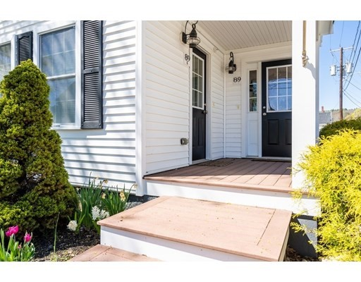 1 Bed, 1 Bath home in Amesbury for $284,900