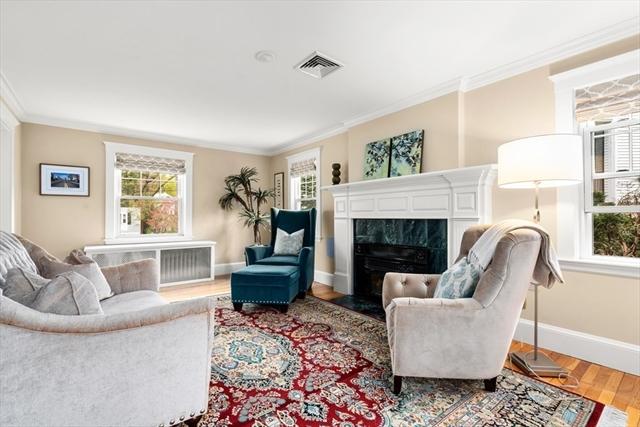 11 Saunders Terrace Wellesley MA 02481