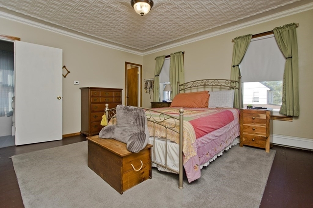 20 Springdale Avenue Holyoke MA 01040