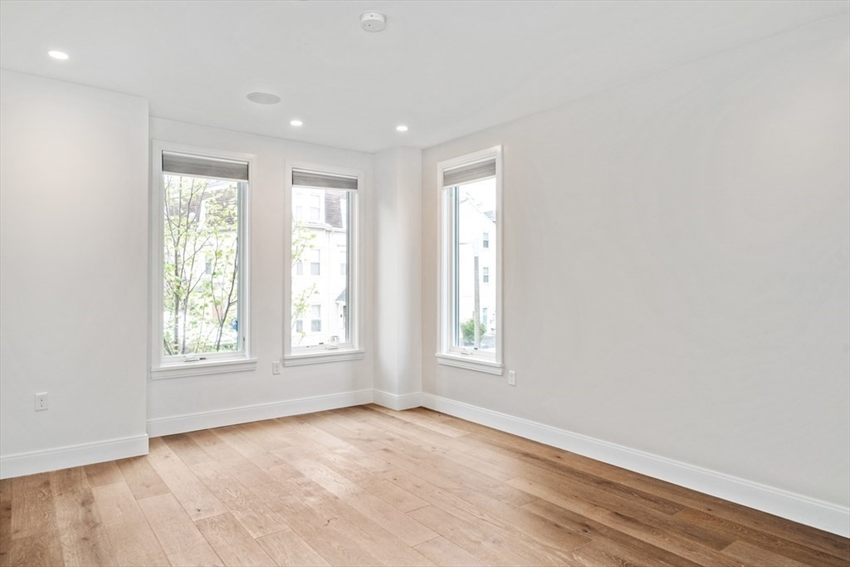 44 Forbes Street, Boston, MA Image 32