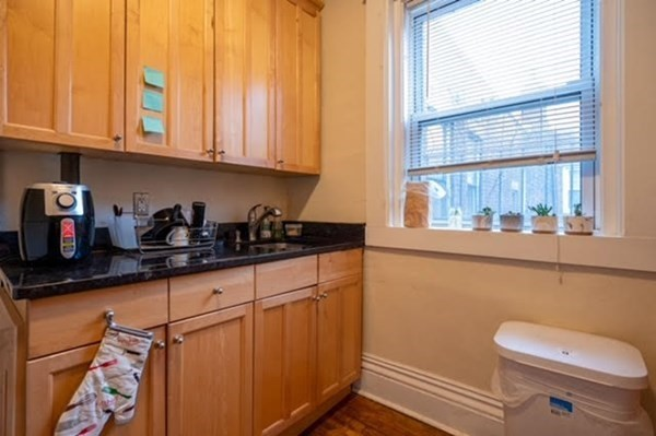 31 Queensberry St, Boston, MA Image 10