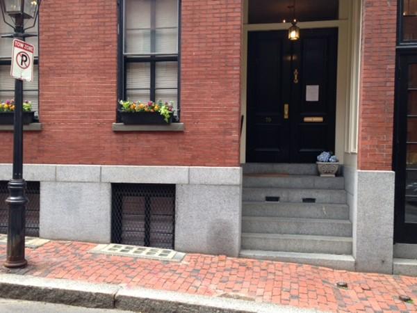 70 West Cedar Street Boston MA 02114
