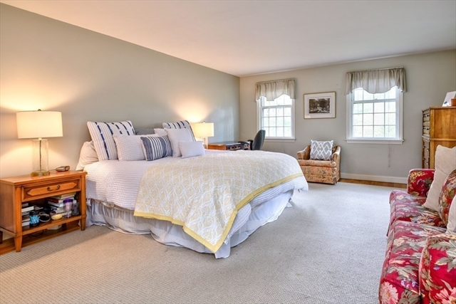 17 Colonial Road Dover MA 02030