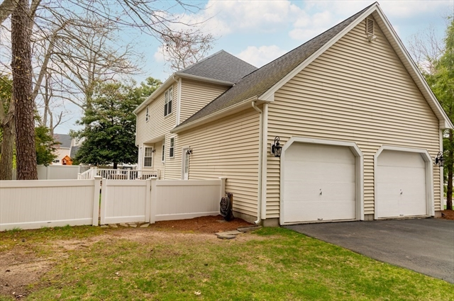 11 Old Stagecoach Road Attleboro MA 02703