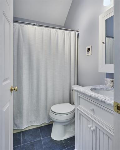 73 Amity Place Amherst MA 01002