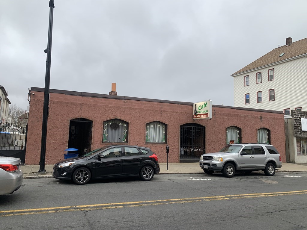 Landmark Portuguese restaurant! Huge bar and event room, live entertainment license, full kitchen, inventory and goodwill. This is a once in a lifetime opportunity! The train is coming, bet on the future with this smart investment!