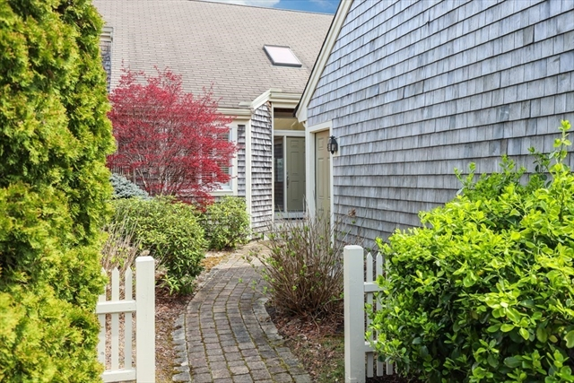 17 Pinchion Vale Plymouth MA 02360