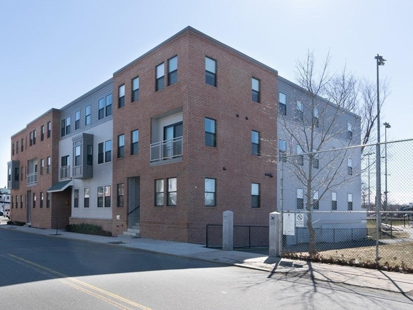 16 Boardman St, Boston, MA Image 23