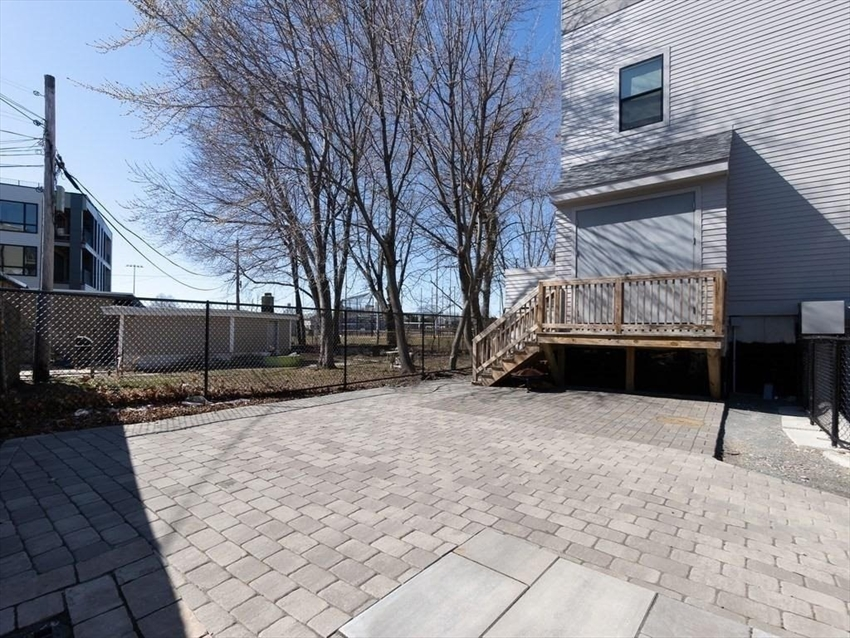 16 Boardman St, Boston, MA Image 24