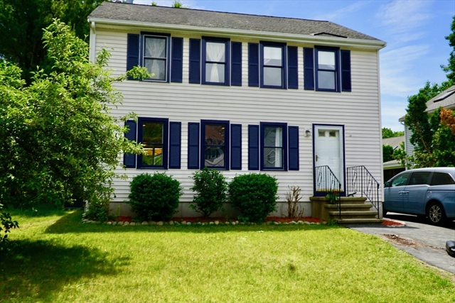 16 Lamplighter Lane Chelmsford MA 01863