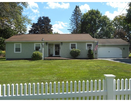 3 Beds, 2 Baths home in Andover for $638,500