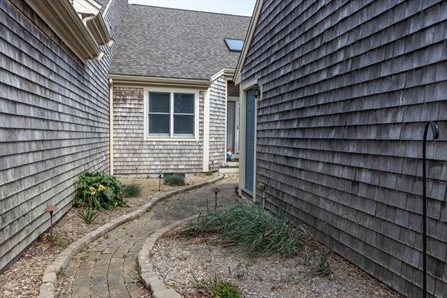 66 Holbeck Corner Plymouth MA 02360