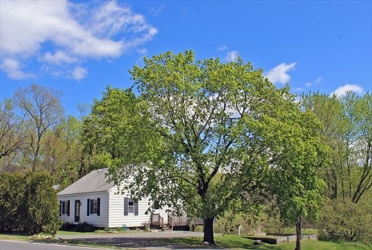236 North Main Street, Deerfield, MA<br>$229,900.00<br>0.26 Acres, 3 Bedrooms