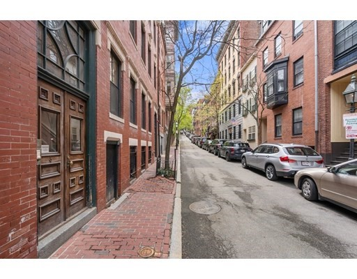 12 South Russell, Boston - Beacon Hill, MA 02114