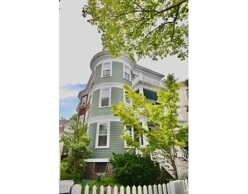25 Pleasant St, Boston - Dorchester, MA 02125